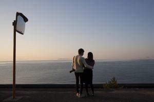 恋人やグループ、東京や大阪、台湾や香港など様々な人が訪れる。