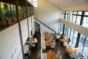 開放感いっぱいのカフェ「モネの家」