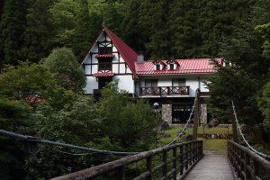 滑床渓谷の上り口にある森の国ホテル