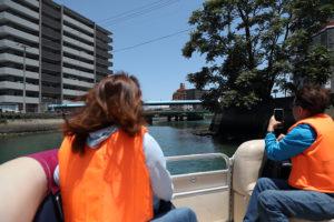 ひょうたん島周遊船で街並みを観覧
